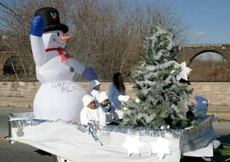 snowman parade float